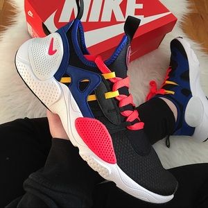 Nike Huarache E.D.G.E Women's Sneakers